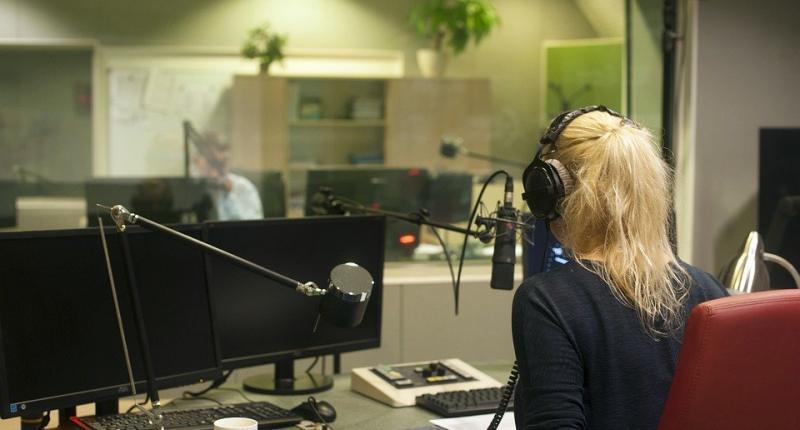 Podcast Intro deine Zuhörer fesseln